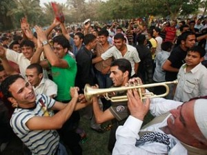 ap_iraq_jubilation_090629_mn