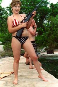 palin_rifle_bikini1